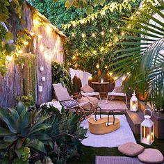 Does your small garden have you at the end of your tether? Small gardens, tiny terraces and petite patios may require a little more thought than larger spaces, but even the tiniest plot can… Continue Reading → Small Backyard Gardens, Back Gardens, Small Gardens, Outdoor Gardens, Desert Backyard, Small Courtyard Gardens, City Gardens, Sloped Backyard, Courtyard Design