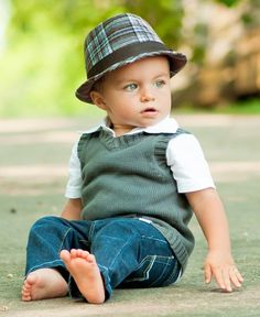 Shop for adorable baby boy hats at Rugged Butts. This handsome fedora for infants is stylish, yet comfy. With its fun, versatile, plaid pattern, he is sure to draw attention! Little Boy Fashion, Baby Boy Fashion, Kids Fashion, Baby Boy Outfits, Kids Outfits, Cute Kids, Cute Babies, Baby Mine, Kid Styles