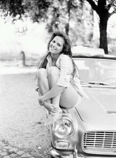 Classic Hollywood - 10 Stunning Photos of Claudia Cardinale Claudia Cardinale, Pin Up Vintage, Hollywood Stars, Classic Hollywood, Old Hollywood, Natalie Wood, Der Leopard, Divas, Actrices Sexy