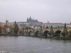 Praga, el castillo y el puente de Carlos Budapest, Vienna, Prague, Bridges, Castles, Trips