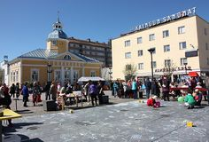 Kajaani Town Hall Square is a place for several cultural events - and it's also a good place to meet some friends in the summer. How about an ice cream and some music?