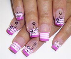 Resultados da pesquisa de http://www.womans-heaven.com/wp-content/uploads/2013/04/nails-art-design-stripped-flowers.jpg no Google