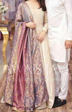 designer indian wear indian designer wearYou can find Designer dresses indian and more on our website Simple Pakistani Dresses, Dresses Elegant, Stylish Dresses For Girls, Indian Gowns Dresses, Stylish Dress Designs, Pakistani Dress Design, Pakistani Mehndi Dress, Shadi Dresses, Designer Party Wear Dresses
