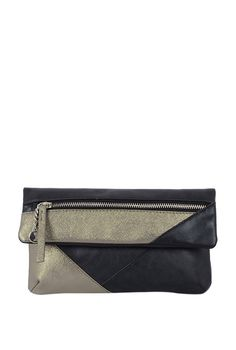 2f8e7553a89d Buy Baggit handbags and clutches at Tata CLiQ and get up to 50% off