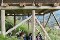Bahareque method and Ecuador's local resources used to build this wooden studio