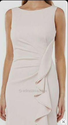Fashion Sewing, Girl Fashion, Fashion Dresses, Womens Fashion, Carmen Marc Valvo, Elegant Dresses, Dress Patterns, Designer Dresses, Ideias Fashion