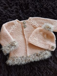 Ideas for baby girl crochet sweater Baby Cardigan Knitting Pattern Free, Knitted Baby Cardigan, Knit Baby Sweaters, Baby Knitting Patterns, Baby Patterns, Free Knitting, Baby Knits, Knitting Wool, Crochet Baby Cocoon