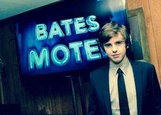 Freddie Highmore - Bates Motel