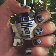 R2D2 nails! #jamicure #jamberry #nailart #nails #starwars #r2d2