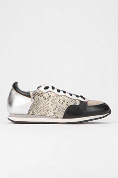 Pour La Victoire Alice Animal Print Sneaker