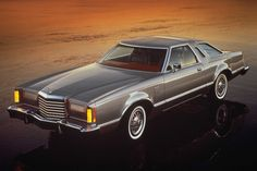 1977 Ford Thunderbird Pictures: See 84 pics for 1977 Ford Thunderbird. Browse interior and exterior photos for 1977 Ford Thunderbird. Ford Thunderbird, Retro Cars, Vintage Cars, Antique Cars, Ford Mustang, Good Looking Cars, Ford Lincoln Mercury, Ford Classic Cars, Old Fords