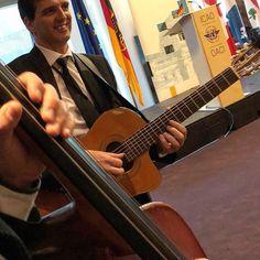 Événement à l'OACI Photos Du, Music Instruments, Guitar, Ropes, Musicians, Gaming, Musical Instruments, Guitars