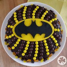Teilen Tweet Anpinnen Mail Ein wunderschöner Tag geht zu Ende. Wir hatten einen fantastischen 6. Batman-Geburtstag im Kreise der Familie. Dienstag folgen dann noch ...