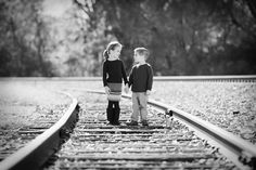 Brother Sister Photo idea, this is beautiful but the mom side of me can't help but think that they shouldn't be on a rail road track.scares the crap outta me Sister Photography, Love Photography, Children Photography, Brother Sister Photos, Sister Pictures, Railroad Track Photography, Photo Portrait, Baby Kind, Photo Ideas