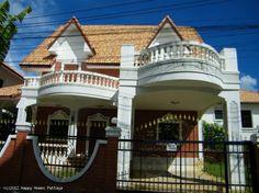 Kukapa sitä ei haluaisi omaa linnaa #thaimaa #unelmatalot