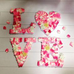 フラワーペタルで作るラブオブジェが簡単DIYな上に安い! | marry[マリー] First Art, Diy Wedding, Birthday, Flowers, Party Ideas, Hearts, Fete Ideas, Birthdays, Ideas Party