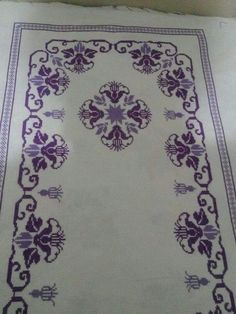 This Pin was discovered by Sar Cross Stitch Designs, Stitch Patterns, Mantel Azul, Easy Crochet Blanket, Stitch 2, Blackwork, Diy And Crafts, Bohemian Rug, Embroidery