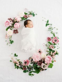 Londyn's Newborn Pictures + A Little Family Update! | newborn photo shoot | infant photography || The Girl in the Yellow Dress