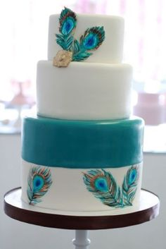 white and teal peacock feather wedding cake.this is definitely going to be my wedding cake (someday! Feather Cake, Peacock Cake, Peacock Wedding Cake, Wedding Cakes, Peacock Theme, Gorgeous Cakes, Pretty Cakes, Amazing Cakes, Fondant Cakes