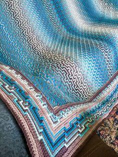 Ravelry: Havana Afghan CAL pattern by Tinna Thórudóttir Thorvaldsdóttir Motifs Afghans, Afghan Crochet Patterns, Crochet Stitches, Crochet Blocks, Knitting Patterns, Crochet Granny Square Afghan, Knitted Afghans, Baby Afghans, Crochet Blankets
