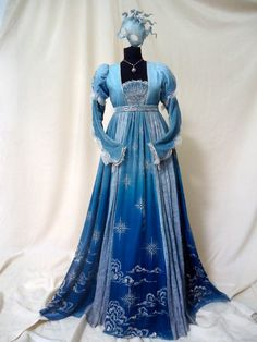 Historical fashion and costume design. Renaissance Costume, Renaissance Fashion, Renaissance Dresses, Vintage Dresses, Vintage Outfits, Vintage Fashion, Fantasy Gowns, Medieval Dress, Look Vintage