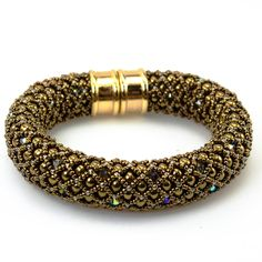 Palm Beach Bracelet Bead Weaving Kit - Accentuated by a beautiful magnetic gold/silver plated clasp, this netted bracelet is a chunky work - Beaded Jewelry Designs, Seed Bead Jewelry, Jewelry Patterns, Jewelry Trends, Seed Beads, Beach Bracelets, Silver Bracelets, Jewelry Bracelets, Silver Rings