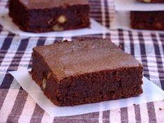 El mejor brownie del mundo Brownie Recipes, Cheesecake Recipes, Dessert Recipes, Mini Cakes, Cupcake Cakes, Cupcakes, Oreo, Best Brownies, Brownie Bar
