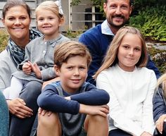 Crown Princely Family of Norway hosted a summer party and posed with their royal guests. September 12, 2015. Crown Princess Victoria and Crown Prince Haakon with Princess Estelle, Prince Christian and Princess Ingrid Alexandra