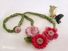 Lindo colar confeccionado em crochê by Prituca!