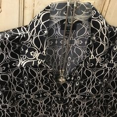 Gorgeous Silky Feel Mossimo Stretch Shirt XXL Black and Cream Button Down Shirt with a Gorgeous Pattern. Hardly worn -maybe Three times tops. In excellent condition smoke free home. It has 6% Spandex for a nice flexible fit Mossimo Supply Co. Tops Button Down Shirts