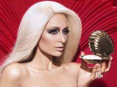 """Paris Hilton ist immer wieder für eine Überraschung gut. In der neuesten Ausgabe des """"Plastik Magazine"""" liess sie sich für eine Bildstrecke ablichten – im Look einer Schaufenster-Puppe"""