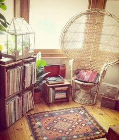 Tribal Interior | Hipster Instagram | Apartment Ideas | Vintage Furniture | Peacock Chair | Boho Decor | Interior Design  #UOonCampus #UOContest