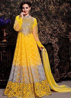 Buy Anarkali Suits and designer Anarkali Salwar Kameez at a great price. For largest collection of Anarkali Suit designs at parisworld. Robe Anarkali, Costumes Anarkali, Indian Anarkali, Pakistani, Anarkali Suits With Price, Latest Anarkali Suits, Salwar Suits, Designer Anarkali, Salwar Kameez Online Shopping