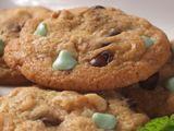 Nestlé® Toll House® Dark Chocolate & Mint Morsel Cookies