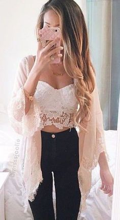 Summer outfits that get you noticed! Find just the right look for your next big event. Something to fit all types and color combinations. See all 101 outfits for summer in this article! Crop Top Outfits, Girly Outfits, Casual Outfits, Look Fashion, Fashion Beauty, Fashion Outfits, Womens Fashion, Swag Fashion, Fashion Blogs