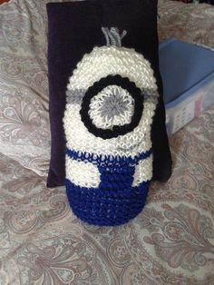 Minion tejido en telar por Ana C