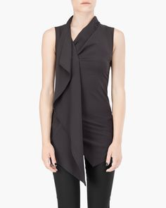 Ixos produces clothes, shoes e leather goods that mix the iconic Malloni style with a glamour touch. Lbd, How To Look Better, Glamour, Couture, My Style, Blouse, How To Wear, Clothes, Black