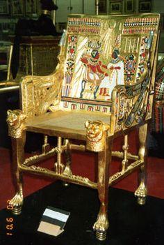 Um estudo sobre o sentar: Egito Antigo