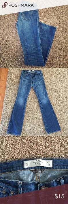 """Abercrombie and Fitch jeans! Perfect condition Abercrombie and Fitch jeans. """"Perfect stretch"""" size 4L/ 27x35 Abercrombie & Fitch Jeans Straight Leg"""