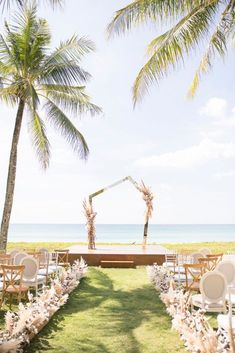 Elegant Architectural Thailand Beach Wedding – The Wedding Bliss – darinimages 25 Paired with fluffy pampas grass, this alternative twist to florals softens the edgy, architectural scene that will defy Boho beach weddings. #bridalmusings #bmloves #thaiwedding #florals #beachwedding Wedding After Party, Wedding Show, Elope Wedding, Wedding Couples, Wedding Table, Wedding Ideas, Dream Wedding, Wedding Inspiration, Wedding Dresses