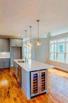Kitchen Layouts With Island, Kitchen Island Bar, Condo Kitchen, Kitchen Benches, Kitchen Room Design, Kitchen Interior, Kitchen Remodel, Kitchen Decor, Luxury Kitchens