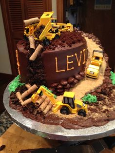 Creative Cake Decorating For A Kid's Birthday Cake Decorating Store, Creative Cake Decorating, Creative Cakes, Cookie Decorating, Digger Cake, Cakes For Boys, Cute Cakes, Party Cakes, Let Them Eat Cake