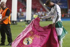Sergio Ramos volvió a sacar el capote, a lo Raúl en su época.