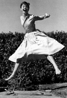 I wish I woke up every morning this joyful. And with a round skirt to wear.