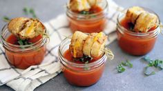 Soup with Mini Grilled Cheese Sticks These mini bites of grilled cheese and tomato soup are the perfect party or game day comfort food!These mini bites of grilled cheese and tomato soup are the perfect party or game day comfort food! Mini Appetizers, Thanksgiving Appetizers, Thanksgiving Recipes, Healthy Appetizers, Easter Recipes, Appetizer Recipes, Grilled Cheese Sticks, Mini Grilled Cheeses, Korma