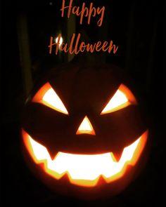 Happy Halloween! #malasepanelas #halloween #diadasbruxas #happyhalloween #jackolantern #pumpkin #instascare #creepy