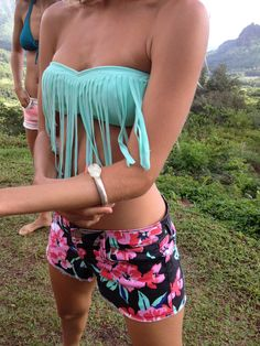 Roxy printed shorts & fringe in Tahiti! #DAREYOURSELF