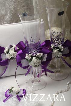 Set Purple HAND-Painted Purple weddings Champagne glasses Wedding cake servers set Wedding garters W Wedding Cake Server, Wedding Boxes, Wedding Sets, Wedding Table, Diy Wedding, Gold Wedding, Bride And Groom Glasses, Wedding Glasses, Champagne Glasses