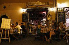 Les restaurateurs italiens invitent à manger pâtes all'amatriciana pour aider…