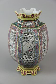 Inventive Feng Shui Vase Antique Collectible Black & Grey Marble Inlaid Chinese Art Tozai China